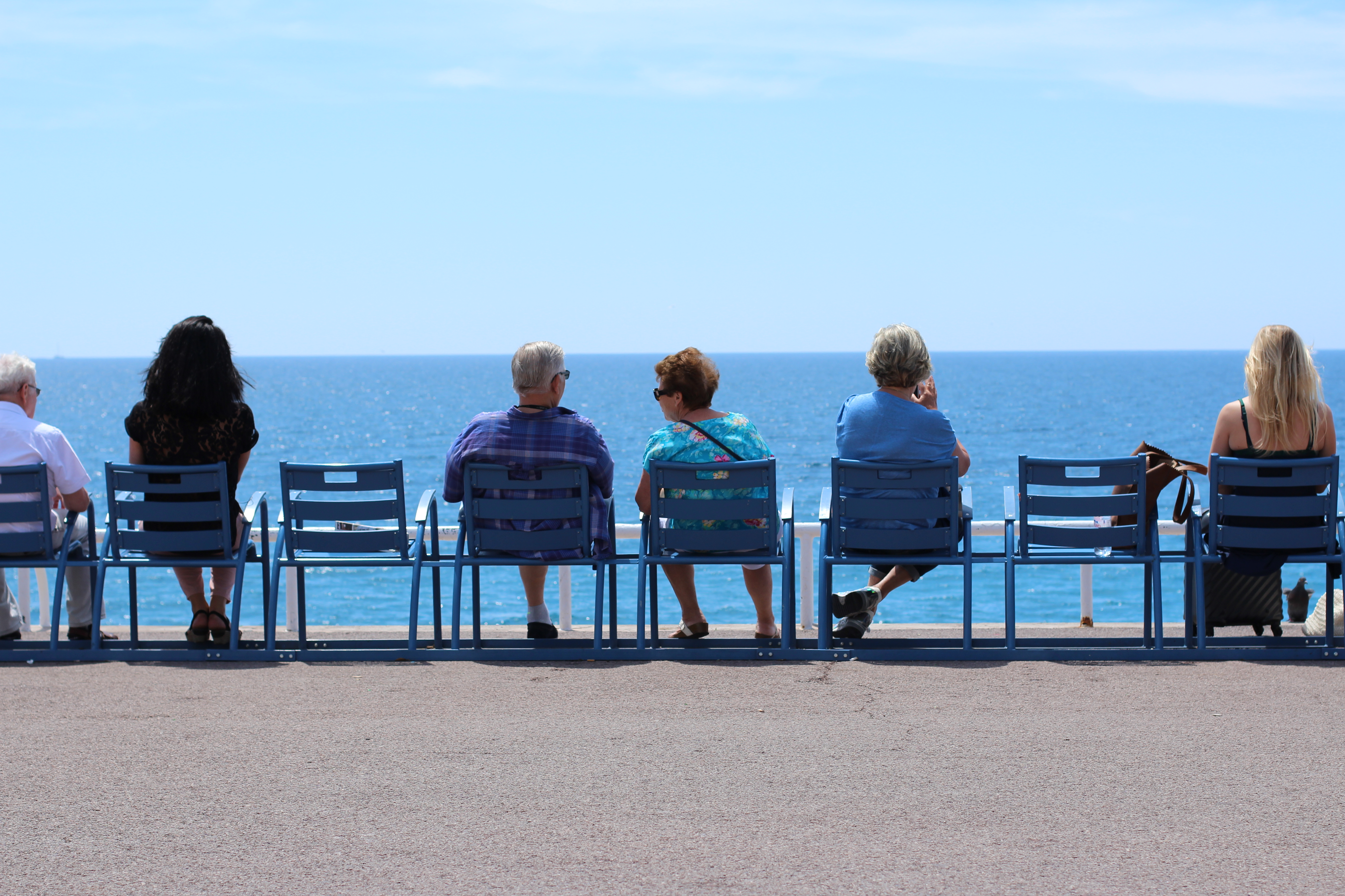 Blue chairs Promenade des Anglais - © Best Western Plus Hotel Massena Nice