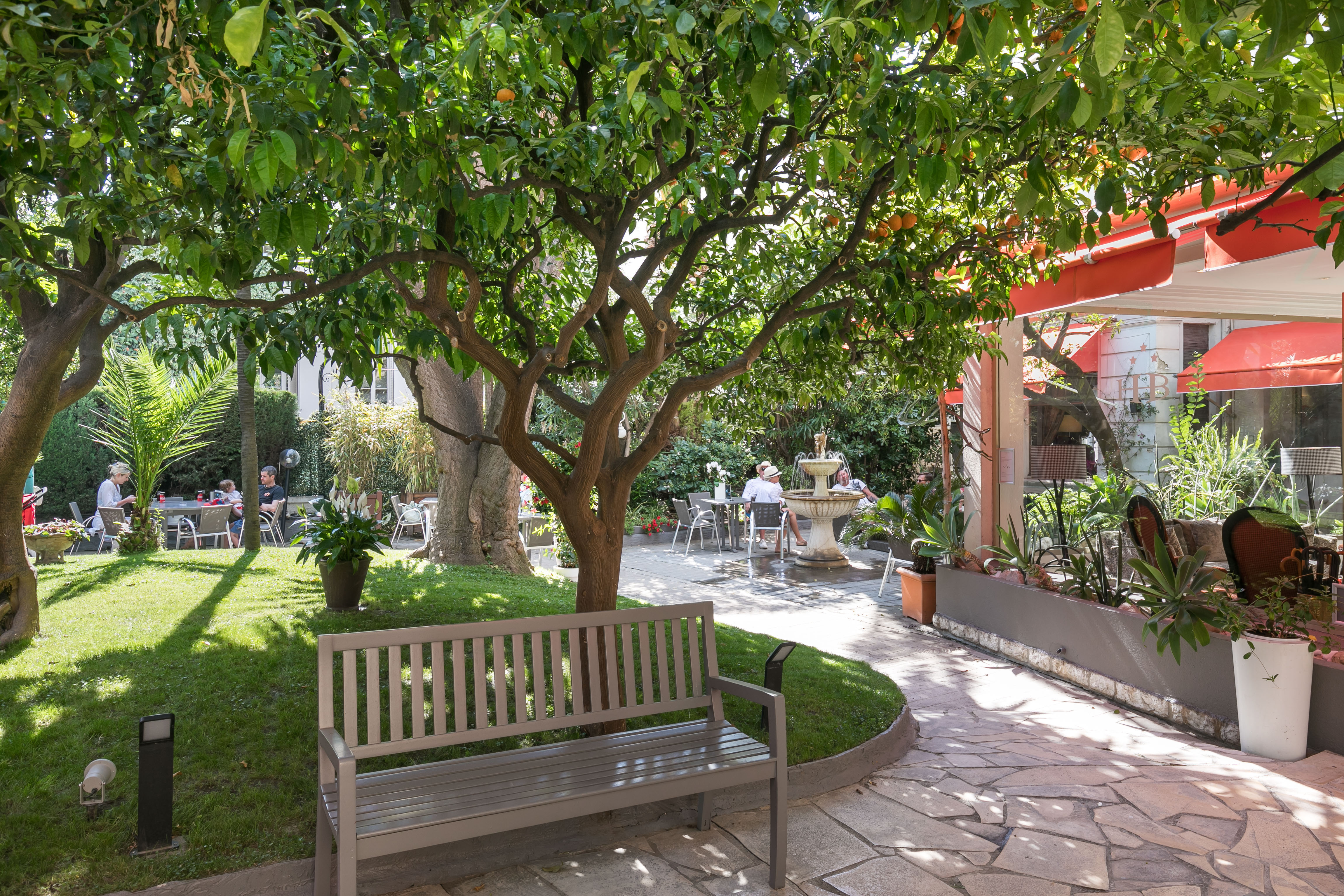 Garden of the Best Western Plus Hotel Brice Garden Nice