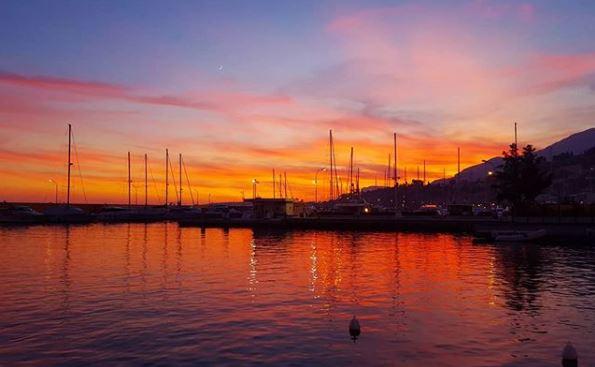 Coucher de soleil Menton - Crédit : iris_camera17
