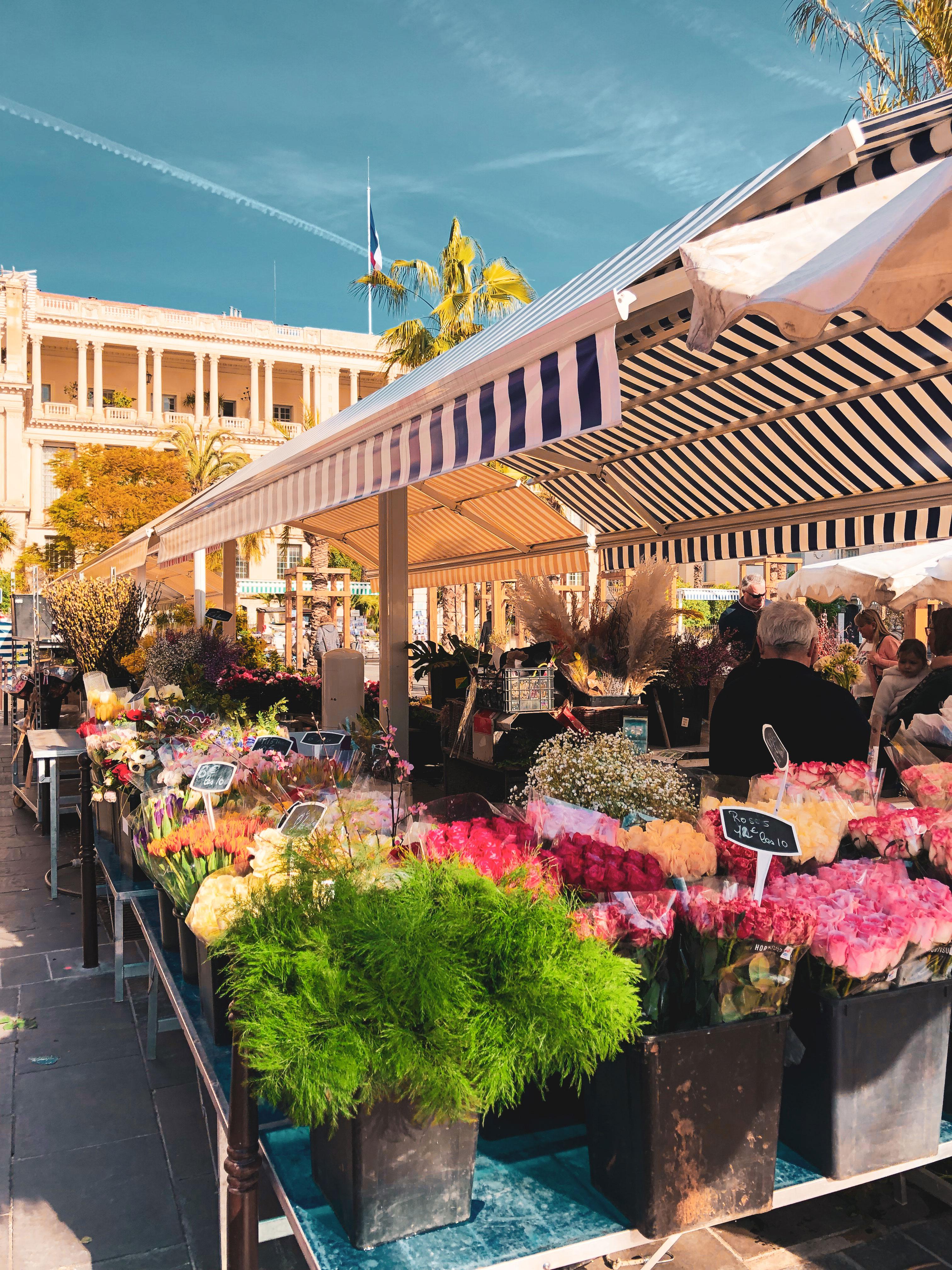Les plus belles balades à faire sous le soleil de Nice - Marché aux Fleurs du Cours Saleya - Crédit Summer Hotels