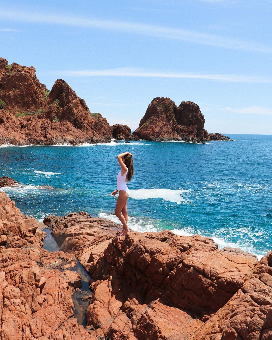 Discover the Esterel massif from your 4-star hotel in Cannes - Credit leadorablee