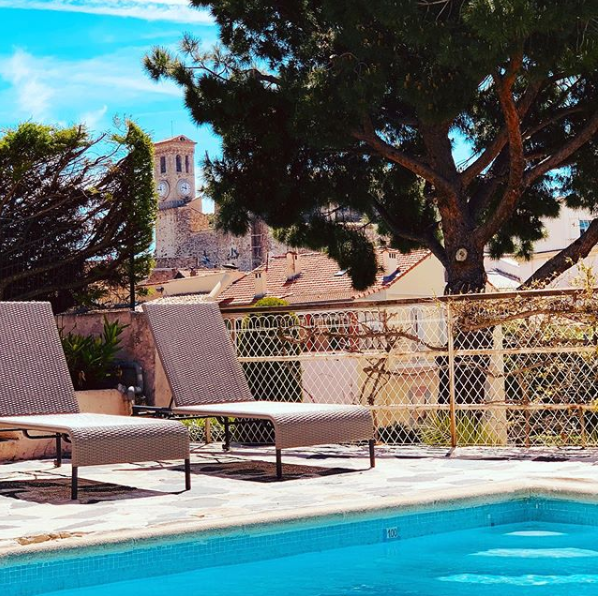 Piscine Hôtel des Orangers Cannes - Crédit efenazli