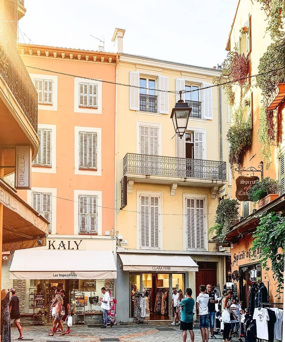 Rue Meynadier Shopping Cannes - Credit noepierre
