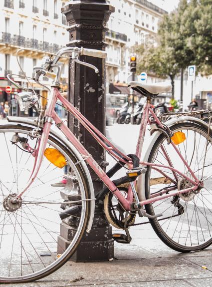 Vous offrir Paris à vélo : notre partenariat avec Holland Bikes