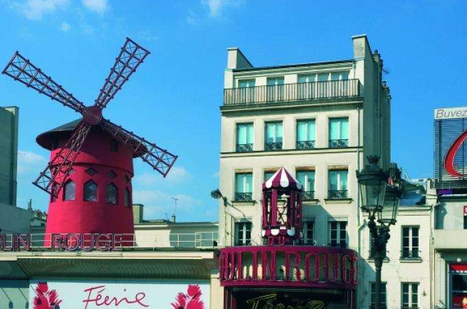 Cabaret music hall Paris presents the spectacular Feerie
