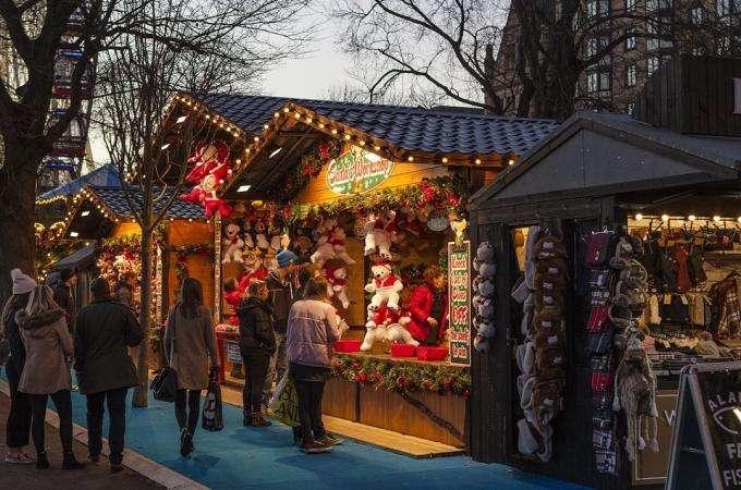 Marché de Noël, au pays des petits chalets en bois