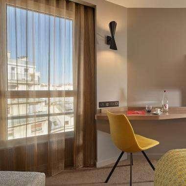 Chambre-Deluxe-hotel-Auteuil-Tour Eiffel-paris