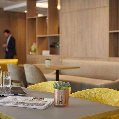 Lobby-hotel-Auteuil-toureiffel -paris