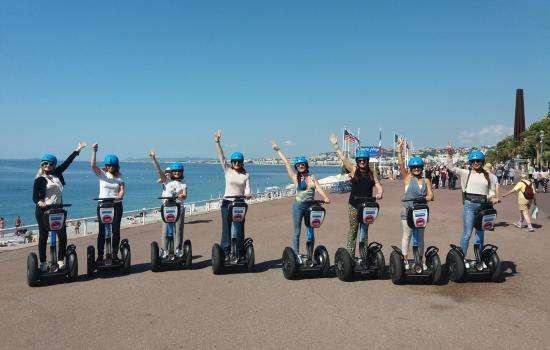 Tourisme responsable : Visitez Nice en vélo électrique et Segway !