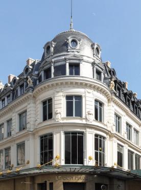Le Six Hôtel - Posizione