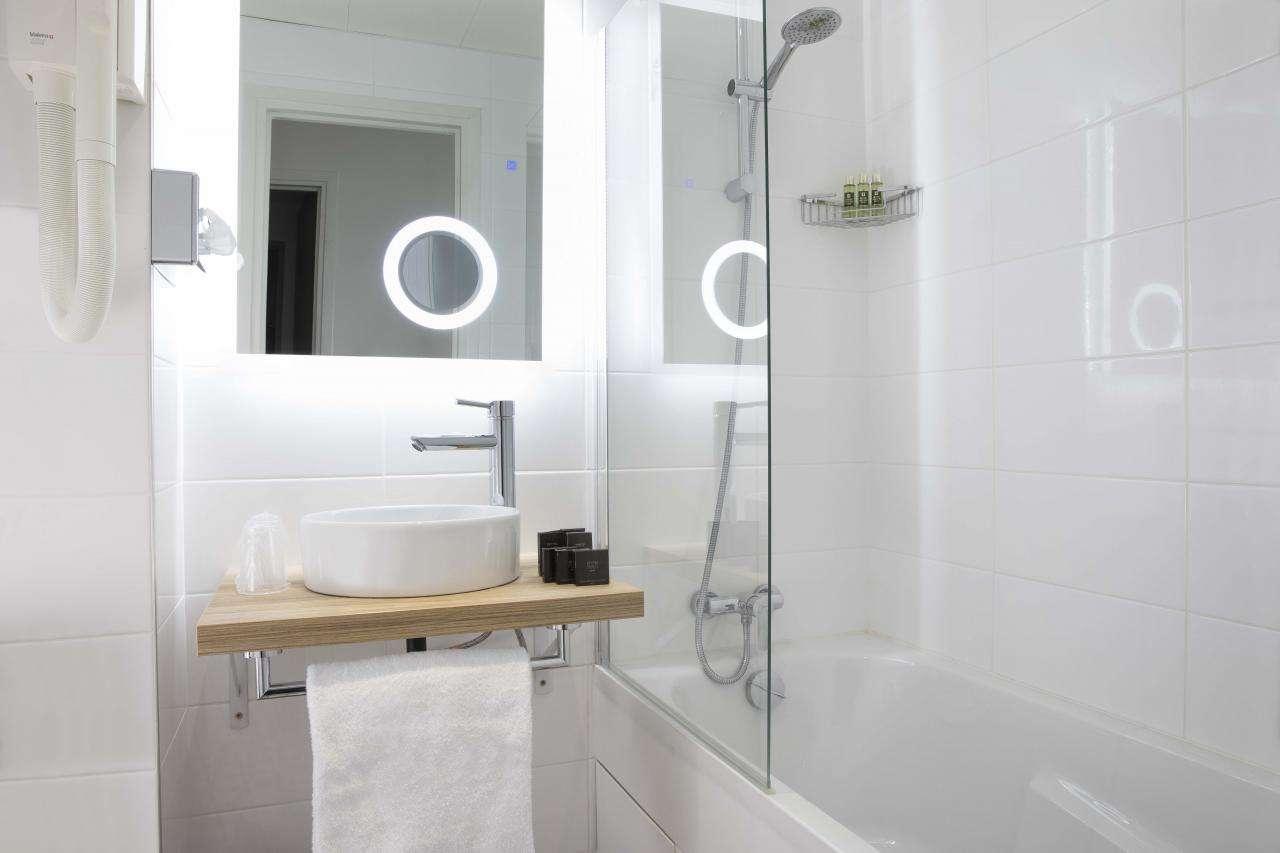 Hotel Moulin Vert - Bathroom