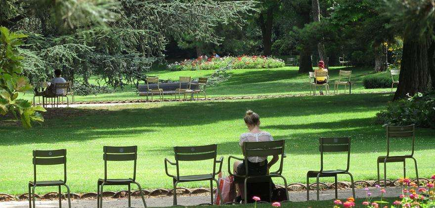 A bucolic interlude in the parks of Paris