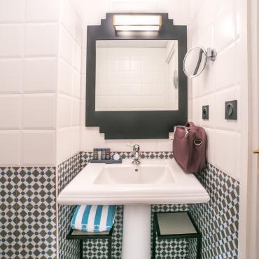 Best Western Hôtel Saint-Laurent-du-Var - Chambre - Salle de bain