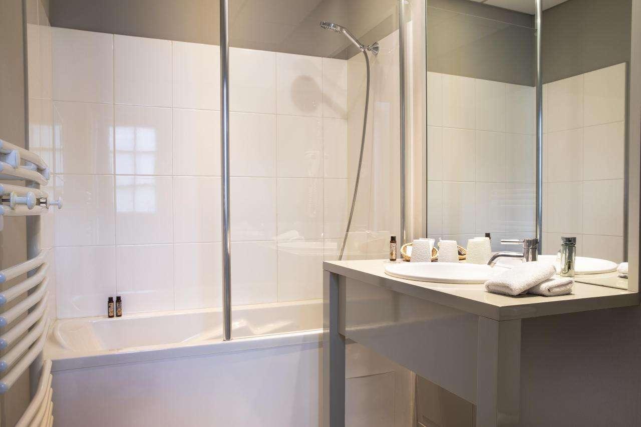 Le Mans Country Club - Chambre - Salle de bain