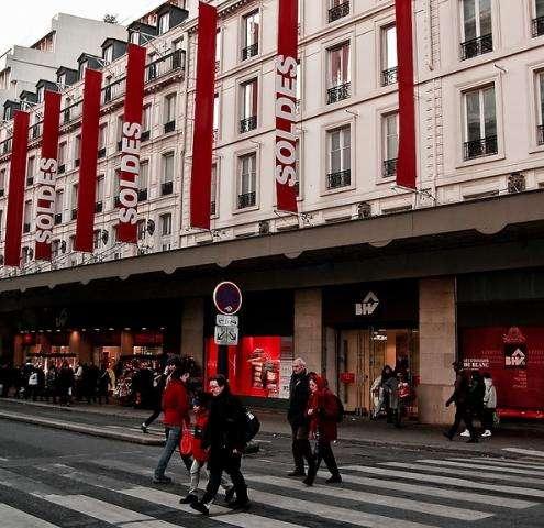 Faîtes les soldes dans la capitale française de la mode