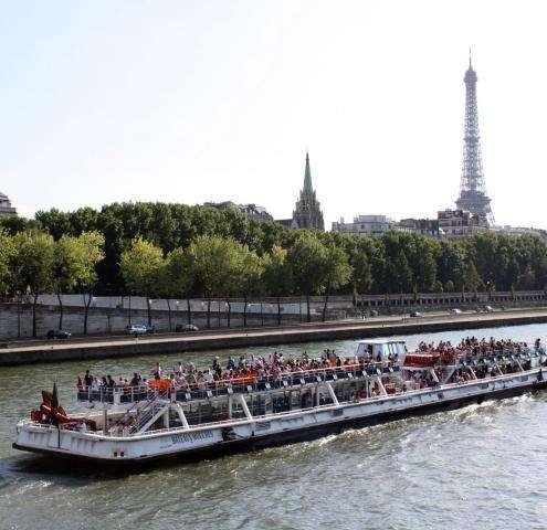 Come sail and discover Paris