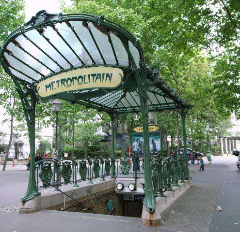 The Parisian transportation guide