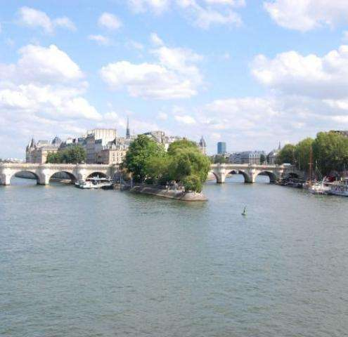 Ile de la Cité, coeur romantique de Paris