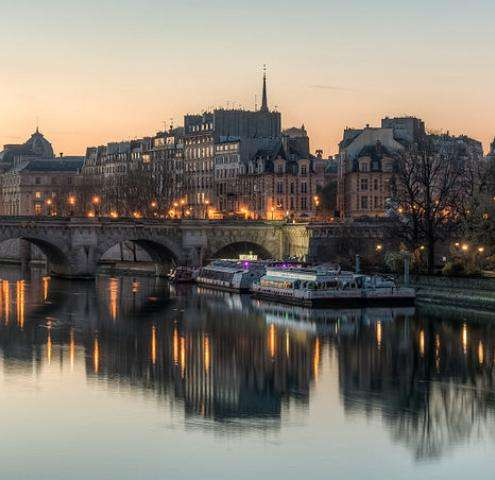 Take a Valentine's Day stroll on the Ile de la Cité