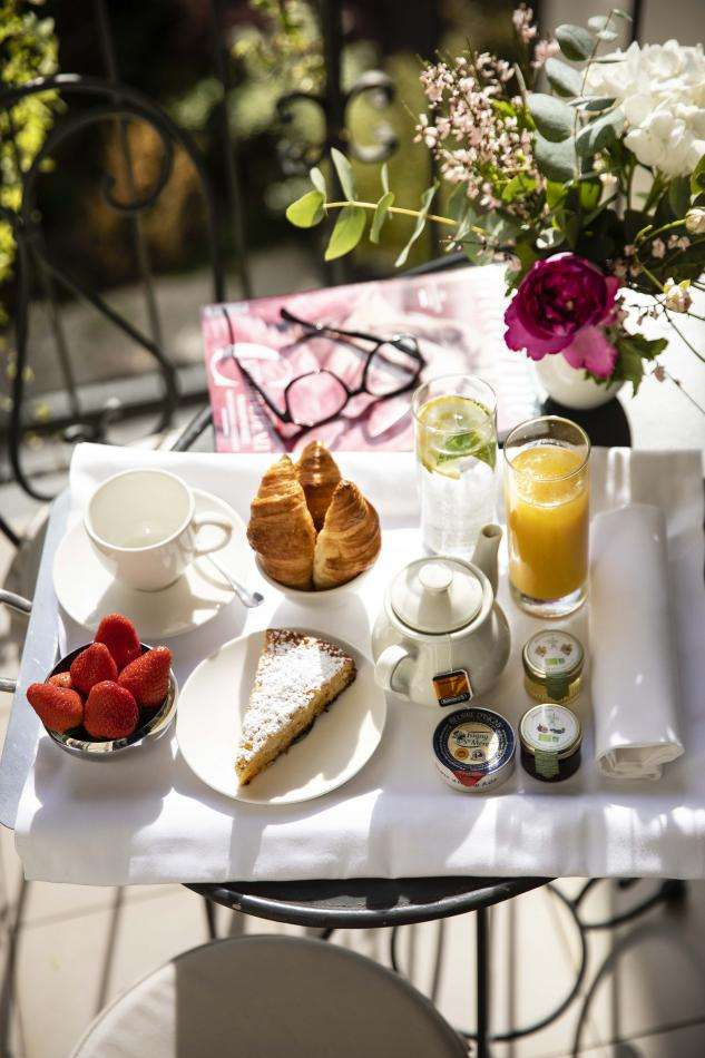 Hôtel Arioso - Petit déjeuner chambre supérieure