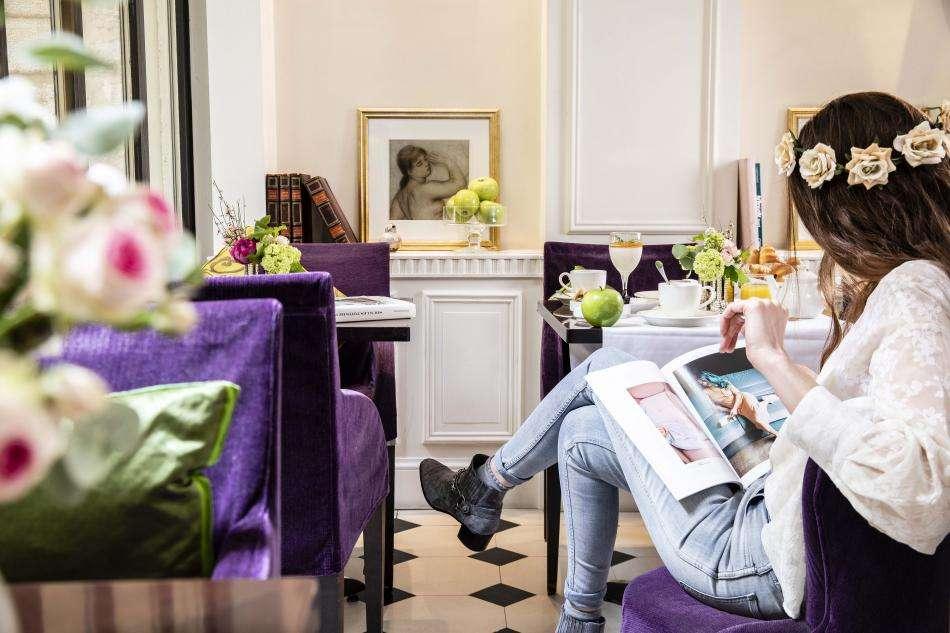 Hôtel Arioso - Petit déjeuner et fleur