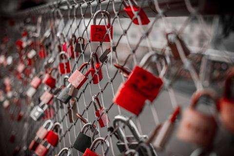 Balade romantique, exposition et foire : Fêtez l'amour et l'art à Paris