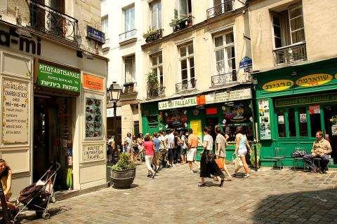 La rue des Rosiers, vivante, gourmande et branchée