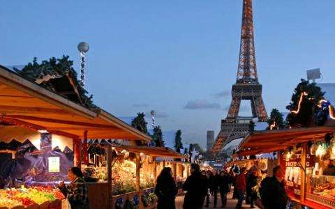 Christmas markets near rue Cler